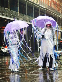 Jellyfish at Mardi Gras Festival Costumes, Jellyfish, Mardi Gras, Party Ideas, Events, Carnival, Festival Outfits, Medusa, Ideas Party