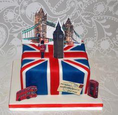 This cake we made for one teacher of English London Party, London Cake, 30th Birthday, Birthday Parties, England Cake, Teacher Cakes, Travel Cake, Paddington Bear, Bear Cakes