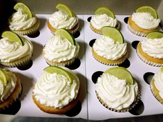 Gin & Tonic cupcakes with hidden centre