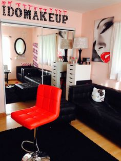 Makeup Studio .... I'm going to make it my goal to make one soo all y'all girls be looking beautiful like always !!❤️❤️❤️
