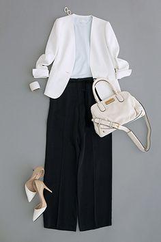+ B&W bag and shoes Office Fashion, Business Fashion, Work Fashion, Fashion Pants, Daily Fashion, Fashion Looks, Fashion Outfits, Womens Fashion, Japanese Fashion