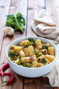 Gustosa e semplicissima #pasta con #broccoletti e #acciughe veloce da preparare #ricette #primipiatti #ricetteveloci