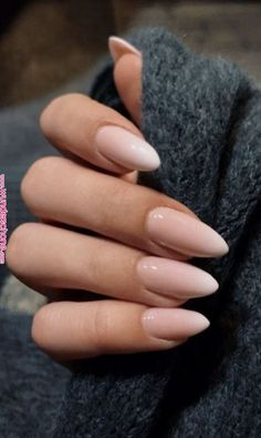 Babyboomer nails is the new modern French manicure - living ideas and decoration - Baby boomer nails the new stylish french manicure beige white color choice almond shape - Pointy Nails, Dark Nails, White Nails, Coffin Nails, White Almond Nails, Almond Nail Art, Almond Acrylic Nails, Clean Nails, Fun Nails
