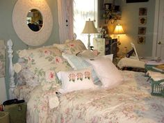 Rachel Ashwell Shabby Chic - The Sheffield Collection  bedroom