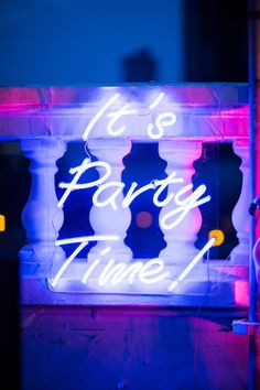 It's Party Time neon sign via @helloconfettidreams