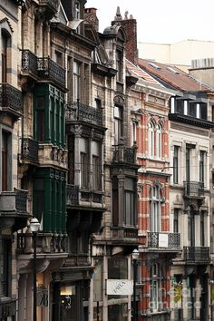 ✮ Brussels Architecture. I would become utterly lost in it.