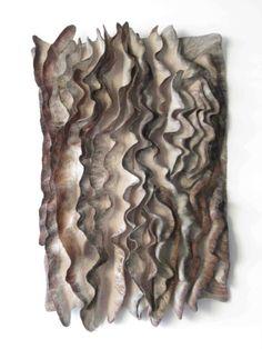 45 beste afbeeldingen over Felt Textile Manipulation, Fabric Manipulation Techniques, Textiles Techniques, Fabric Art, Fabric Design, Shibori, A Level Textiles, Felt Wall Hanging, Textile Texture