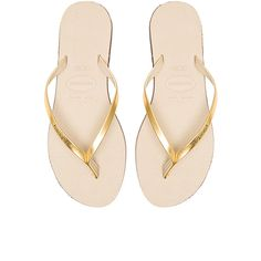 Havaianas You Metallic Flip Flop ($40) ❤ liked on Polyvore featuring shoes, sandals, flip flops, schuhe, rubber sole shoes, havaianas flip flops, havaianas, metallic shoes and rubber sandals