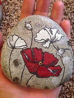 HAND-PAINTED-ROCK-ART-DESIGN-POPPIES More
