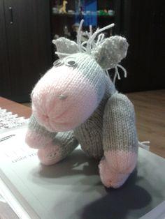 Osiołek na drutach