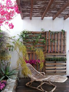 jardin vertical sobre palet en aguamargaalmera