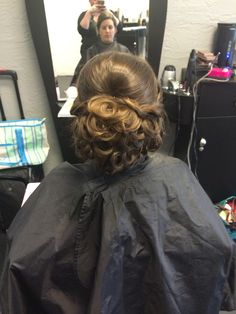 Bridal updo trial. Classically chic designs by Leslie. Www.ccdbyleslie.com