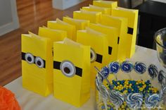 Ideas for a Minion themed kids birthday party!