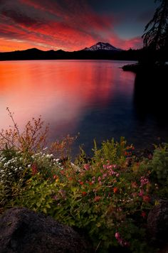 A colorful sunset in the Cascade mountains of Oregon.