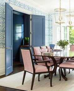 Pink and Blue Decor Dining Room #ColourfulHomeDecor #Pink #Blue #DiningRoom