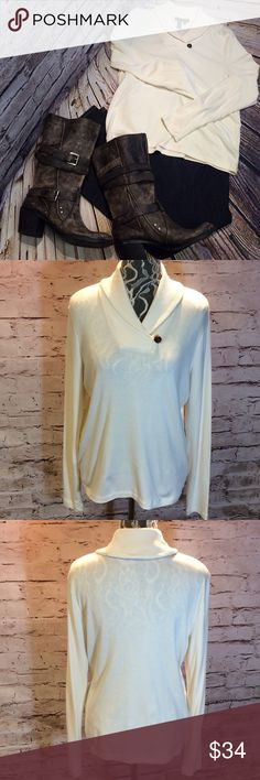 SZ LG RALPH LAUREN TOP Love this style in the Ralph Lauren line. Super soft with stretch and gently used. Ralph Lauren Tops Blouses
