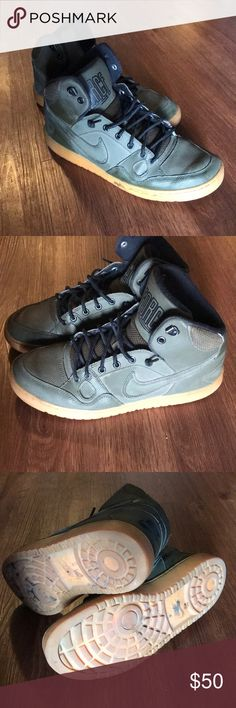 low priced d42d7 59445 Nike Ebernon Mid Winter Men s Water Resistant Great condition Last image  shows dried gum on sole