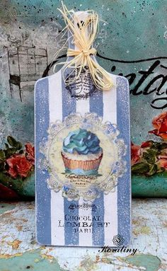 Site of the decoupage fans DCPG. Decoupage Art, Decoupage Vintage, Arte Pallet, Diy Wall Stickers, Country Quilts, Mason Jar Crafts, Diy Crafts To Sell, Painting On Wood, Wood Art