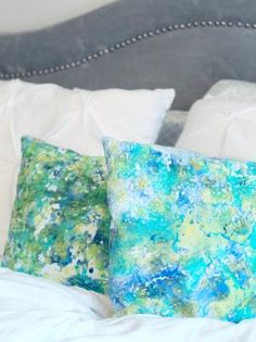 Create a fabric in the exact colors to match your decor with this trendy marbled fabric pillow case project.