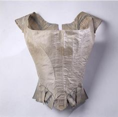 Marie Antoinette's corset saved in a Museum in Paris. Titillating Tidbits About the Life and Times of Marie Antoinette: Antoinettes Underwear One Clothing, Antique Clothing, Piece Of Clothing, Historical Clothing, Historical Dress, Historical Photos, Palais Galliera, Vintage Outfits, Vintage Fashion
