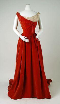 ball gown | Jean-Philippe Worth | circa 1898-1900.