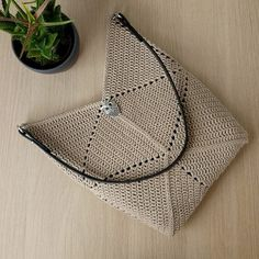 Ravelry, Crochet Handbags, Crochet Accessories, Louis Vuitton Damier, Boho, Pattern, Cotton, Handmade, Tutorial Crochet
