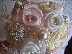 DIY: Faça voce mesma um lindo O Bouquet de jóias, ou broches ♥ - YouTube