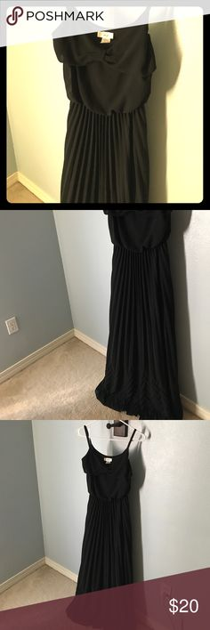 NWT Rustic Lace Boutique black pleated maxi Purchased from boutique online for event and never wore it. Thick with double lining. Definitely for you tall ladies! Cute bow detail on top and chevron pleating on bottom. Dresses Maxi