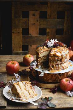 layered-cinnamon-caramel-apple-upside-down-cake-12