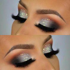 Sparkle Eye Makeup, Silver Glitter Eye Makeup, Smokey Eye Makeup Look, Dramatic Eye Makeup, Eyeshadow Makeup, Makeup Brushes, Makeup Eyebrows, Silver Eyeliner, Makeup Remover