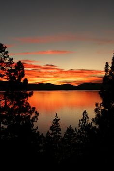 A fabulous sunset in South Lake Tahoe. The location is unmatchable, the skiing world class and the nightlife lively.