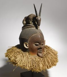 Suku mask, Democratic Republic of the Congo Statues, Belgian Congo, Mask Dance, Art Ancien, Art Premier, African Tribes, African Masks, Beautiful Mask, Indigenous Art