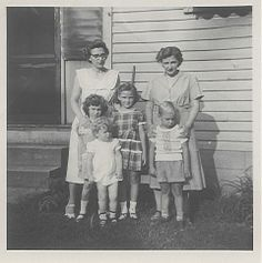 Norma (Sparks) Hoch & Mercedes (Sparks) Shellhaas with children.