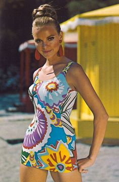 How male and female bathing suits got smaller and smaller 'Aztec' Links to BBC article on vintage swimwear exhibition in London 1950s Style, Style Année 70, Surf Style, Retro Style, 60s And 70s Fashion, Retro Fashion, Vintage Fashion, Women's Fashion, Patti Hansen