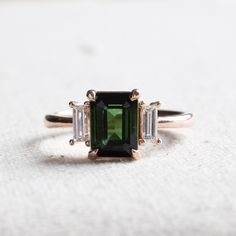 Green Tourmaline With Diamond Ring - 7 / 14 KARAT ROSE GOLD