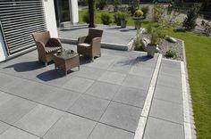 Terrassen — Braun Steine