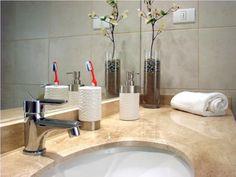 Busque alternativas para tornar o banheiro sustentável. | Foto: Ivan Vecencio/SXC