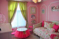 Super cute girls room with tutu table @sassysanctuary.blogspot.com