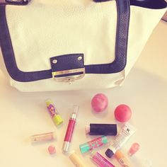 we <3 lip balm + handbags // fashion & beauty, what could be better?
