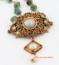 emerald_ruby_antique_pendant