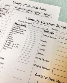 Free Printable. Yearly and monthly financial planning sheets. #themoderndad #finances #savingmoney