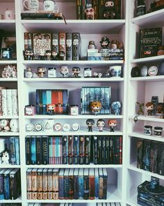 What was the best thing that happened to you today?I received two Rep packages today and I'm so happy about that. One was packed with … Deco Harry Potter, Harry Potter Room, Bookshelf Inspiration, Room Inspiration, Home Room Design, House Design, Funko Pop Display, Book Nooks, My Room