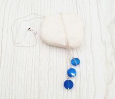 Collier chaine argent 925 (48cm) perles de verre filé au chalumeau Bleu roi-blanc : Collier par auverredoz