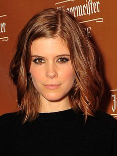 While a style like Kate Mara& suits most faces, those with rounder face shapes should opt to go longer or shorter instead. Bob Hairstyles For Round Face, 2015 Hairstyles, Short Hairstyles For Women, Cool Hairstyles, Kate Mara, Cabello Zayn Malik, Hot Haircuts, Zooey Deschanel, Rachel Mcadams