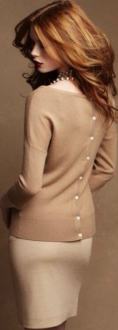 Ann Taylor- Buttoned Back Pullover just gorgeous Style Work, Style Me, Simple Style, Mode Chic, Mode Style, Christmas Style, Beautiful Outfits, Cute Outfits, How To Have Style