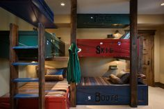 Great bunk bed idea for the cottage!