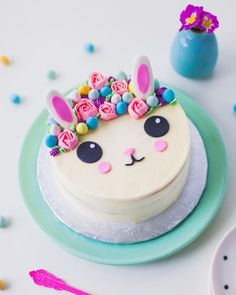 Eggies Flower Crown Bunny Cake – Coco Cake Land – Easter Cake Tutorial Eggies Flower Crown Bunny Cake by Coco Cake Land Bunny Birthday Cake, Easter Bunny Cake, Bunny Cakes, Bunny Party, Bunny Bunny, Easter Food, Pretty Cakes, Cute Cakes, Beautiful Cakes