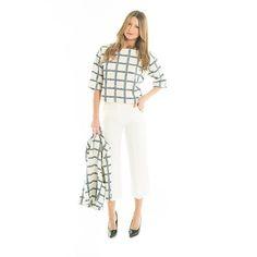 Maglia fantasia #check con #blazer abbinato e pantalone bianco a 3/4 : un #look elegante ma allo stesso tempo #casual  #GianVargian #ss16