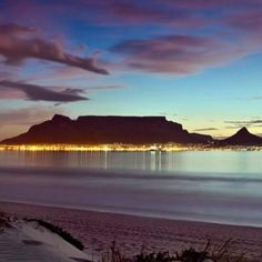 African Beauty, African Art, Africa Destinations, Mountain Tattoo, Table Mountain, Mountain Paintings, Most Beautiful Cities, Africa Travel, Cape Town