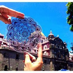 De visita al centro de Puebla con mis mandalas ☀️ #zenart #zentangle #iglesia…